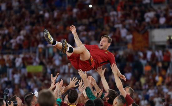 Serie A: AS Roma's Francesco Totti bids adieu to glittering career with emotional final game at Stadio Olimpico