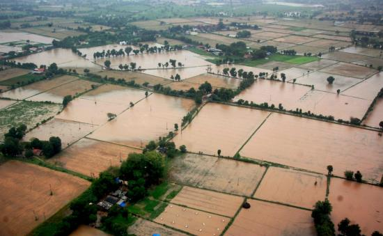 Flood fury continues in Gujarat, Rajasthan, West Bengal; thousands of people affected