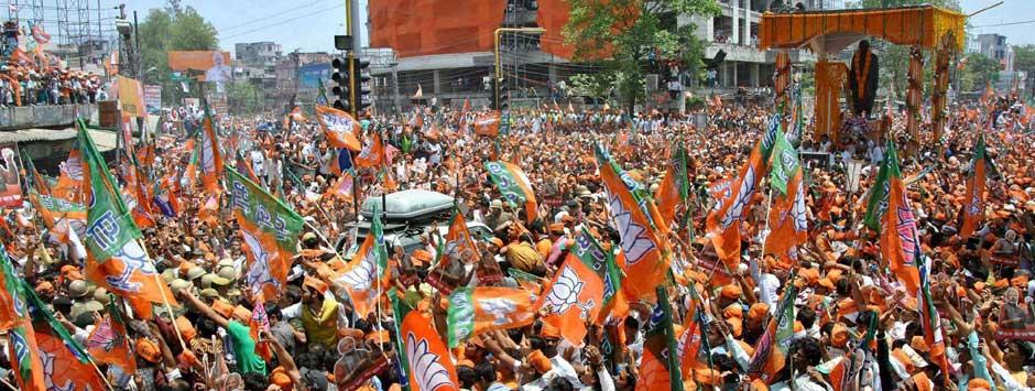 Varanasi turns into sea of saffron as Modi files nomination