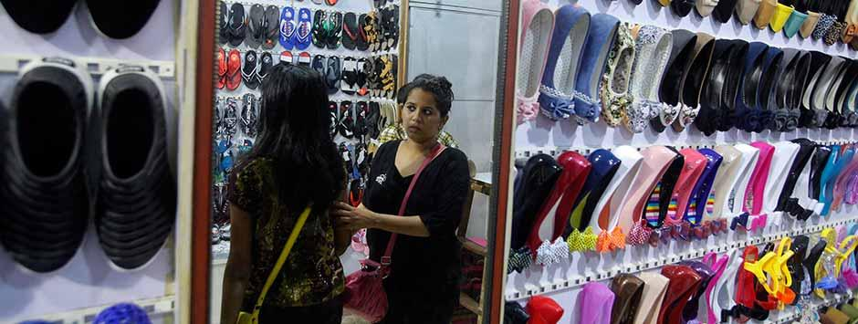Diwali shopping: Has festival of lights boosted sales? Yes, say modern retailers; dampener, say small traders