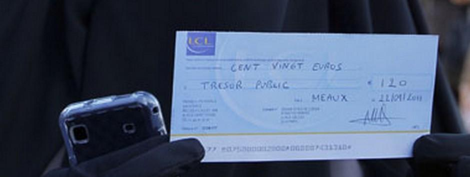 A cheque-less India? Possible; it may not be a big deal for common man but traders will suffer