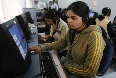 Anti-outsourcing US bill targets Indian call centres