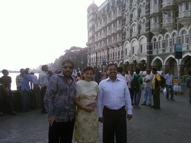 Former minister Gopal Kanda (left) with Geetika's parents in Mumbai. Image courtesy Geetika Sharma's family.