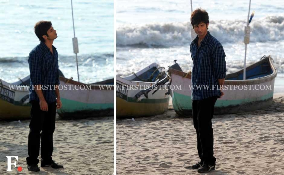 Shahid Kapoor shooting for his upcoming film Phata Poster Nikla Hero on Versova Beach, Mumbai. Sachin Gokhale/Firstpost