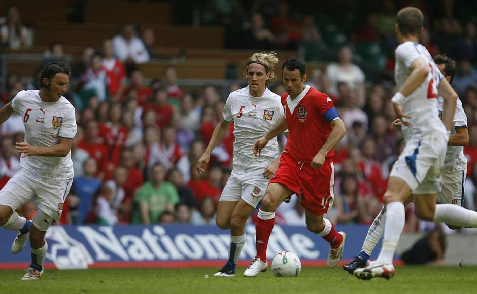 But Giggs never tasted success with Wales. He was named their skipper in 2004 and retired after this game against Czech Republic in 2007. He gained 64 caps. Reuters
