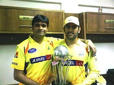 Gurunath Meiyappan with MS Dhoni. Image from @gurunath75's Twitter profile.