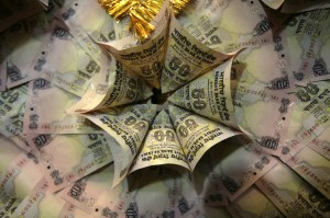 Indian rupee suited to stand USD strength, says HSBC. Reuters.