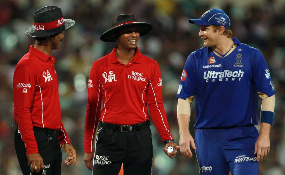 Umpires speak to Shane Watson, who was in the thick of the altercation. BCCI