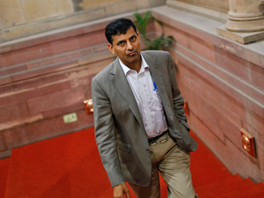 from engineering to rbi top job who is raghuram rajan