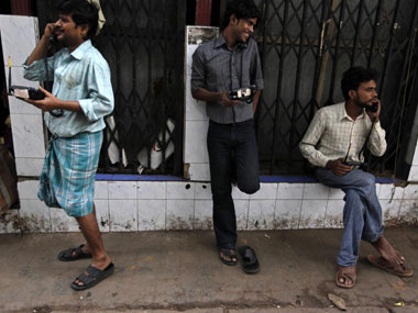 Reliance Jio and RCom do not want 1,800 Mhz spectrum prices lowered, but the rest of the industry is yelling blue murder