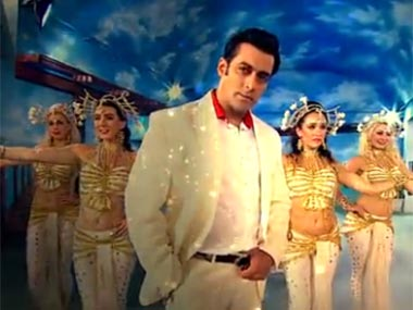 Salman Khan returns in Bigg Boss 7. Screengrab.
