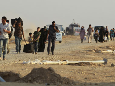 Refugees flee Syria. Agencies.