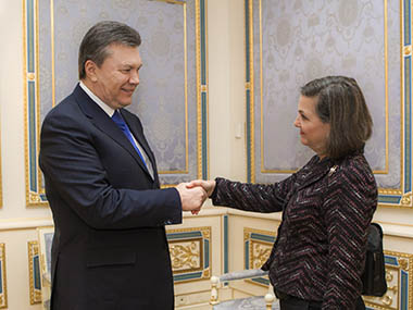 Ukraine's President Viktor Yanukovich welcomes U.S. Assistant Secretary of State for European and Eurasian Affairs Victoria Nuland during a meeting in Kiev. Reuters