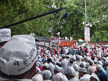 A huge crowd waits for Arvind Kejriwal to speak at Jantar Mantar in New Delhi. Pallavi Polanki/Firstpost