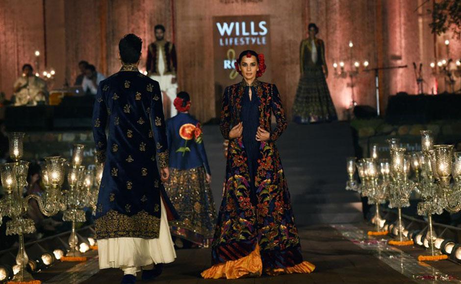 Photos arjun rampal walks the ramp for rohit bal in wills lifestyle fashion week Wills lifestyle fashion week