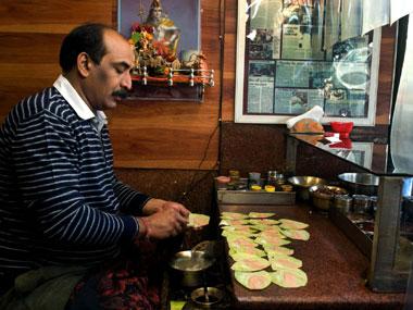 Paan being prepared at Pandey's.  Tarique Anwar/Firstpost