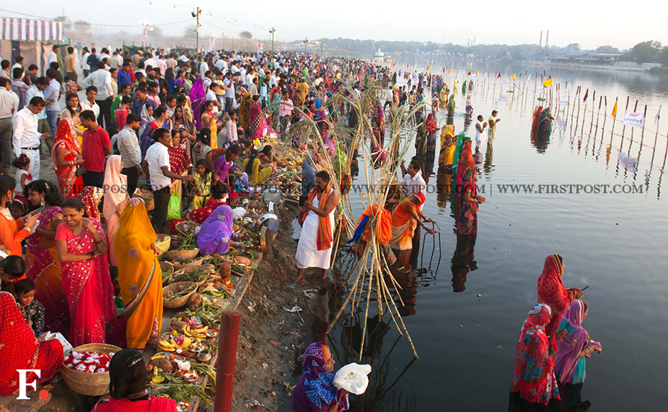Thousands of people  celebrated the Chhath puja festival in Delhi on Tuesday. Image: Naresh Sharma/Firstpost