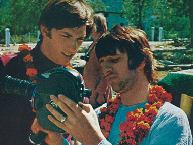 Ringo and Paul Saltzman at the Rishikesh Ashram. Ringo is showing Paul how to use his camera and asked him to shoot some pictures. Image Credit: Paul Saltzman