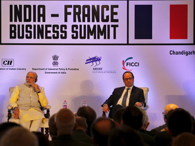 French President Francois Hollande (R) and Prime Minister Narendra Modi at the India-France Business Summit. Reuters