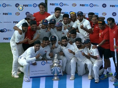 Mumbai celebrate their 41st Ranji Trophy title. Courtesy: @BCCIDomestic