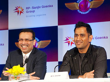 Rising Pune Supergiants' Sanjiv Goenka and captain MS Dhoni at the launch of the new IPL team's jersey. Image Credit: Naresh Sharma/Firstpost