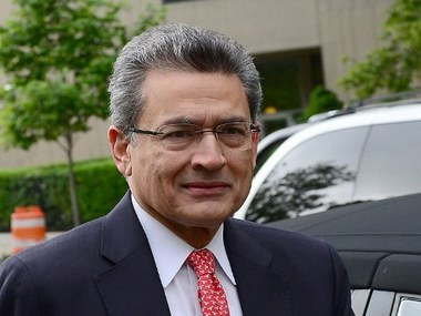 (FILES)Former Goldman Sachs and Procter & Gamble board member Rajat Gupta arrives at Manhattan Federal courthouse for the closing arguments of his trial in New York, in this June 13, 2012 photo. Rajat Gupta, was found guilty June 15, 2012 in New York on insider trading charges in another big victory for prosecutors probing Wall Street corruption. The guilty verdict on four of six counts came after less than two days of deliberations following a three week trial in Manhattan federal court. The 63-year-old faced up to 25 years in prison if found guilty on all charges. AFP PHOTO/Emmanuel Dunand