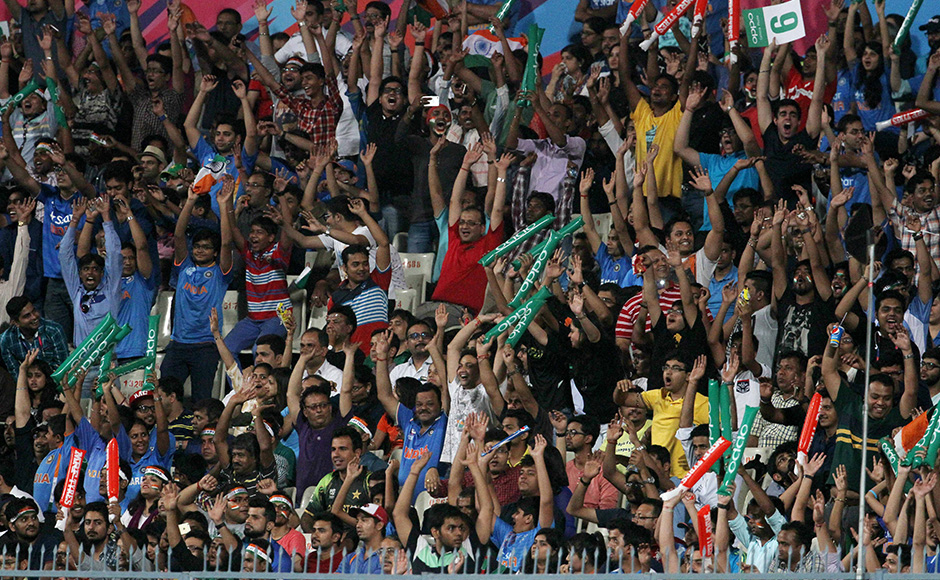 India were in a spot of bother after they lost Shikhar Dhawan, Rohit Sharma and Suresh Raina inside the powerplay. But Virat Kohli and Yuvraj got together and steadied the ship. Once Kohli got his eye in, the fans were in for a treat as he played some delightful shots to entertain the full house at the Eden Gardens. Solaris