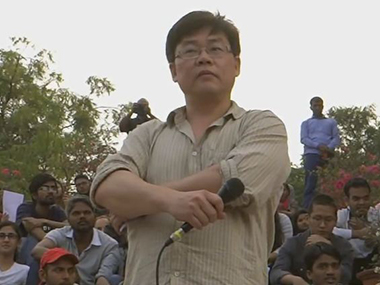 Lawrence Liang at the alternative classroom in JNU.