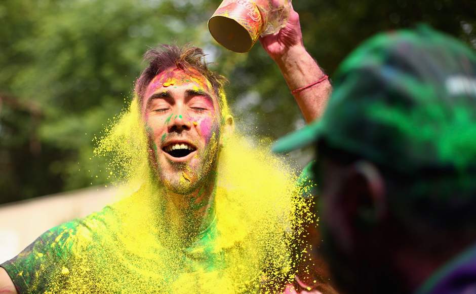 Australian Cricketer Glenn Maxwell celebrates Holi with Chandigarh locals ahead of the ICC WT20 match between Australia and Pakistan on 24 March, 2016. Getty Images