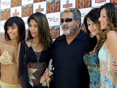 Vijay Mallya with models