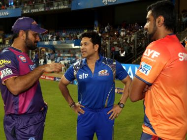 MS Dhoni seen with Ravichandran Ashwin and Sachin Tendulkar after RPSG's first match. IPL
