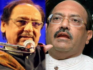 Ghulam Ali (L) and Amar Singh. Image from IBNlive