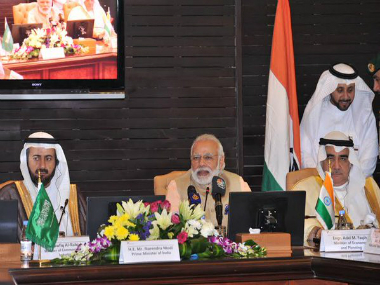 PM Modi meeting with prominent Saudi business leaders at Saudi Chambers of Commerce in Riyadh. Twitter @PIB