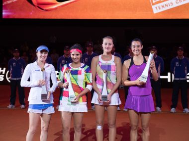 Martina Hingis, Sania Mirza and the winners doubles: Kristina Mladenovic, Caroline Garcia. Image courtesy: Porsche Tennis website