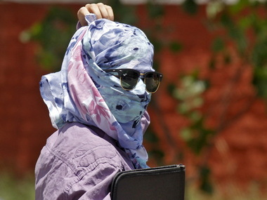 Heat wave sweeps across Andhra/ Reuters