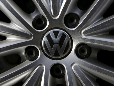 The logo of German carmaker Volkswagen is seen on a wheel rim at a dealership in Glenview, Illinois, September 24, 2015. REUTERS/Jim Young - RTX1SCFR