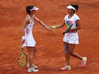 Mirza-Hingis advance to French Open 3rd round. Getty Images