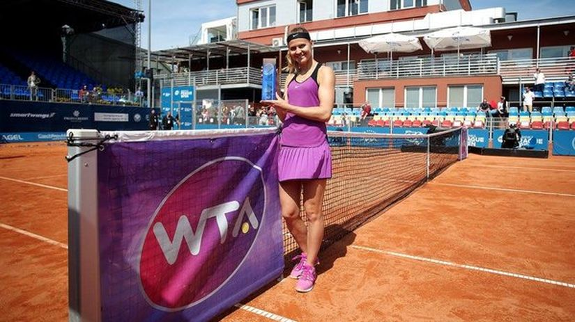 Lucie Safarova with her seventh WTA title. Image courtesy: Twitter/@WTA