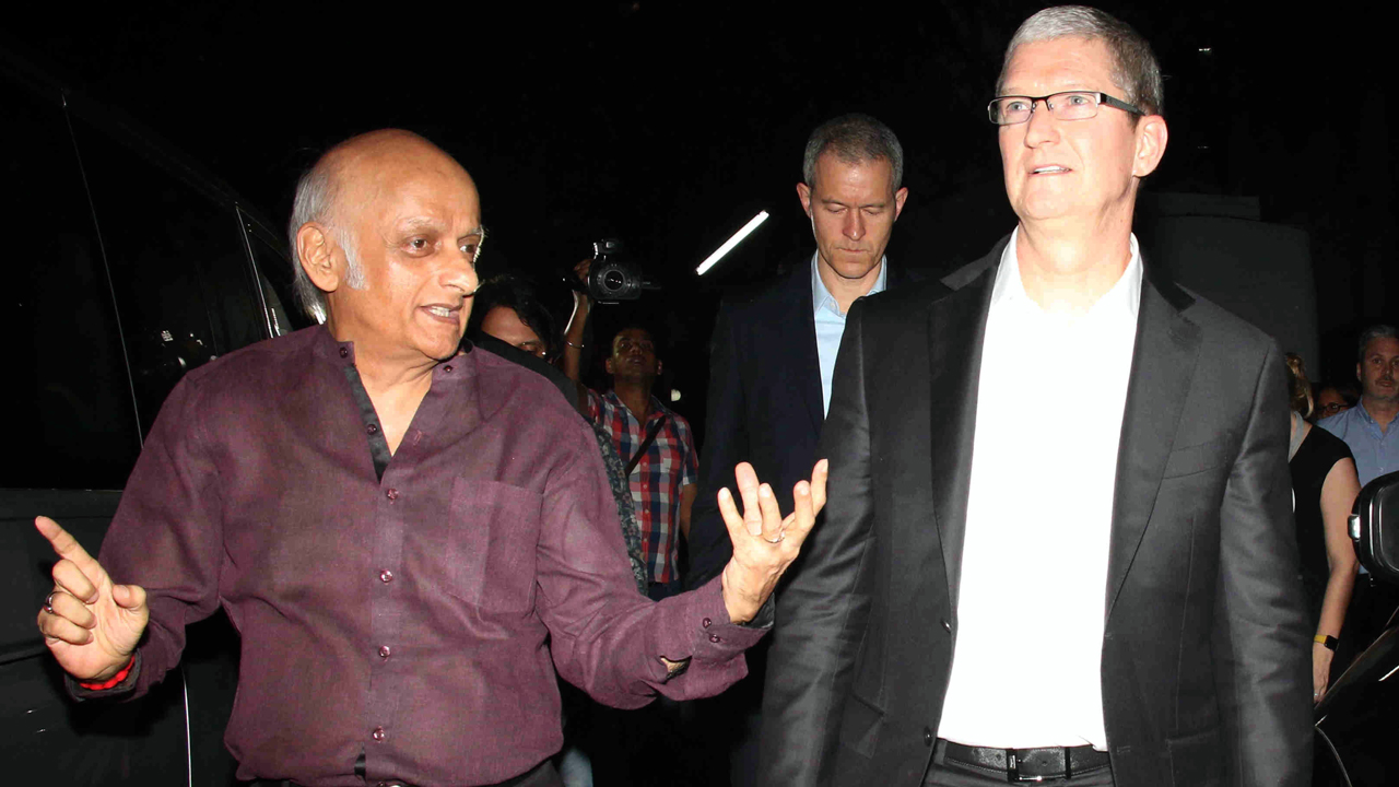 Mukesh-Bhatt-&-Tim-Cook