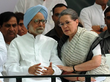 Manmohan Singh And Sonia Gandhi at the 'save democracy' march in New Delhi on Friday.