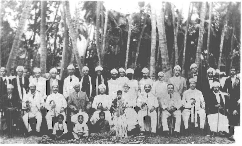P Theagaraya Chetty (centre, in the front row), the founder of the Justice Party. Wikimedia Commons