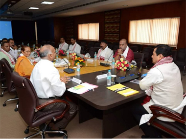 Assam Chief Minister Sarbananda Sonowal heads his first cabinet meeting. Image courtesy @sarbanandsonwal