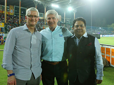 Tv Commentator Alan Wilkins chats with Rajeev Shukla (Chairman IPL) and Tim Cook ( CEO Apple Inc) . BCCI