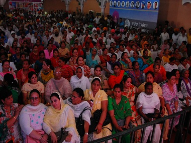 A section of the audience at Halke Vich Captain programme. Photo: Debobrat Ghose