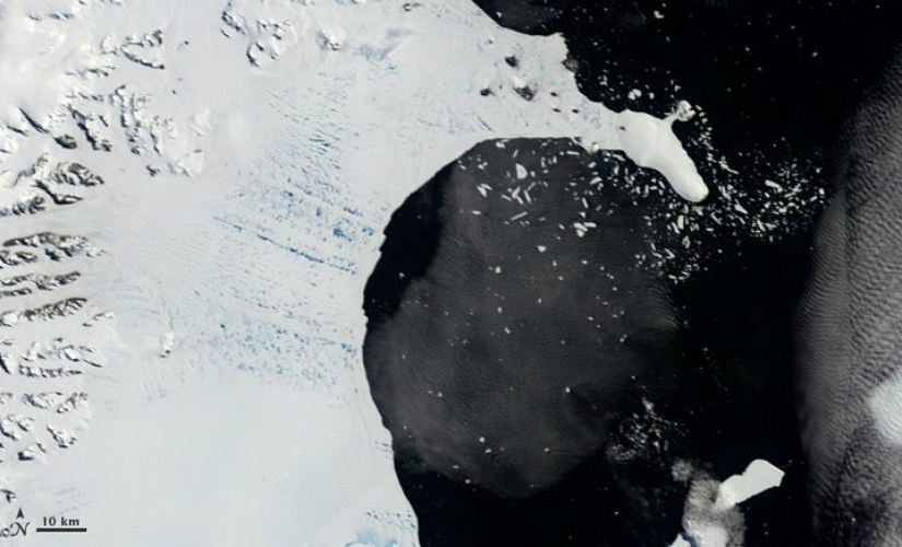 Satellite image of the Larsen B ice shelf after it collapsed, on 31 January, 2002. (Photo: Nasa)