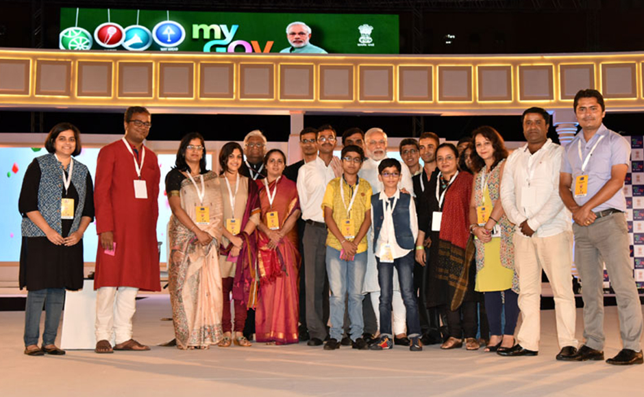 The Prime Minister, Shri Narendra Modi with the contributors to the Mann Ki Baat Radio Programme and the MyGov platform, at the 2nd Year Anniversary celebrations of MyGov, in New Delhi on August 06, 2016. PIB