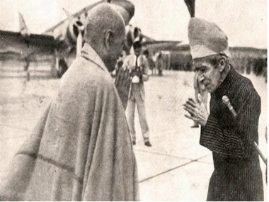 The last Nizam of Hyderabad meeting with Sardar Vallabhbhai Patel. Twitter
