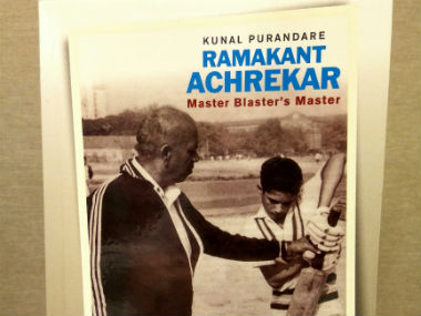 Cover of the book 'Ramakant Achrekar Master Blaster's Master'.