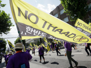 South Korean protesters march to oppose THAAD .