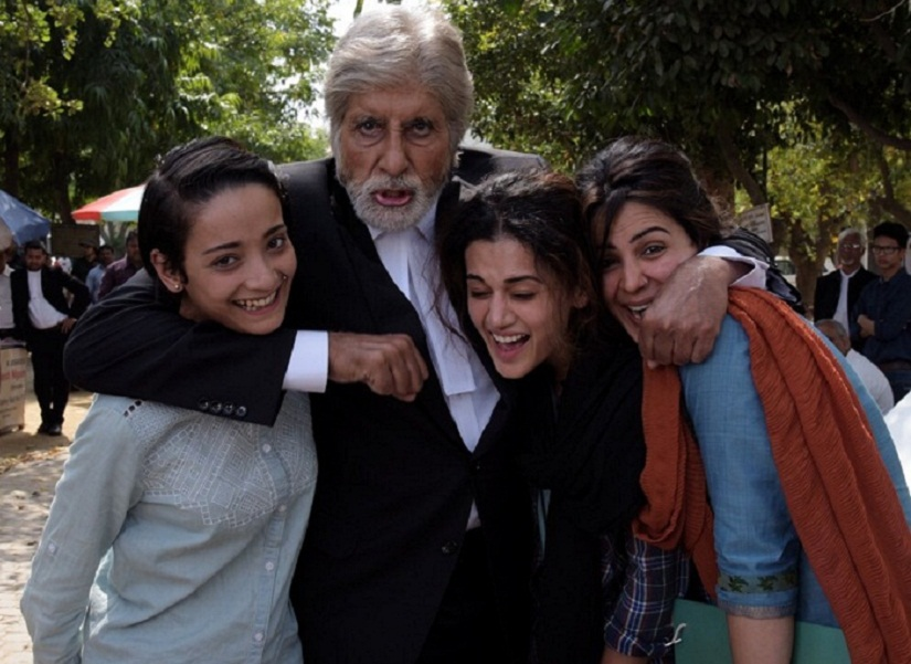 Amitabh-Bachchan-Taapsee-Pannu-on-the-sets-Pink-